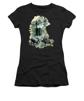 Women's T-Shirt featuring the photograph Yohn Pigs  by Robert G Kernodle