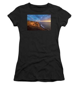 Beautiful Point Vicente Lighthouse At Sunset Women's T-Shirt