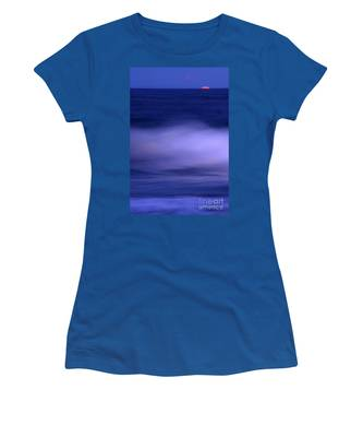 The Red Moon And The Sea Women's T-Shirt