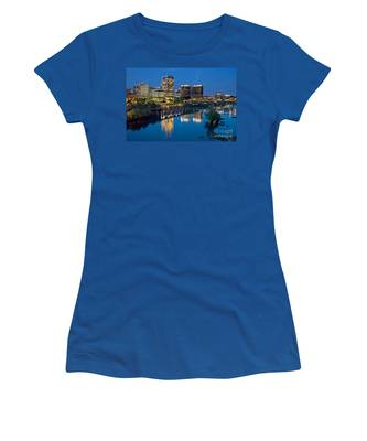 Women's T-Shirt featuring the photograph Richmond Skyline Helo Trail by Jemmy Archer