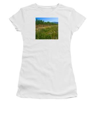 Country Wildflowers V Women's T-Shirt
