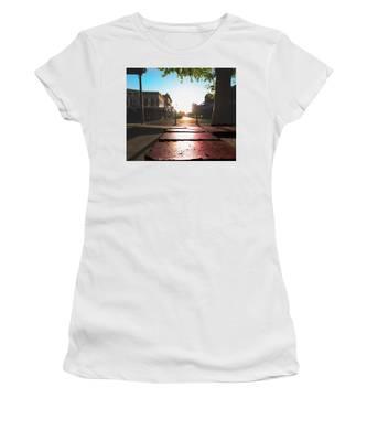 Old Sacramento Smiles- Women's T-Shirt