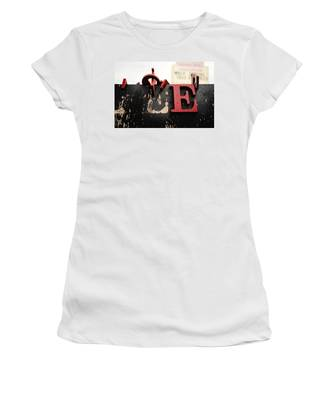What Rhymes With E Women's T-Shirt