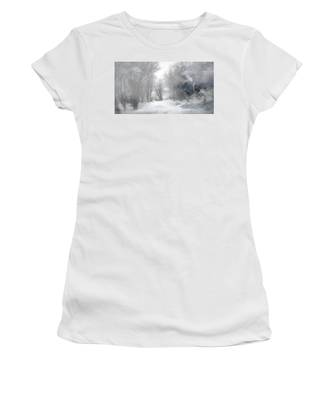 Wolves In The Mist Women's T-Shirt