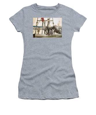 Pelican Strut Women's T-Shirt