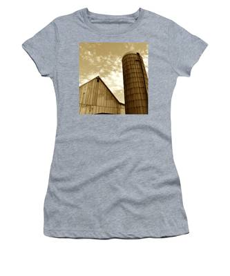 Barn And Silo In Sepia Women's T-Shirt