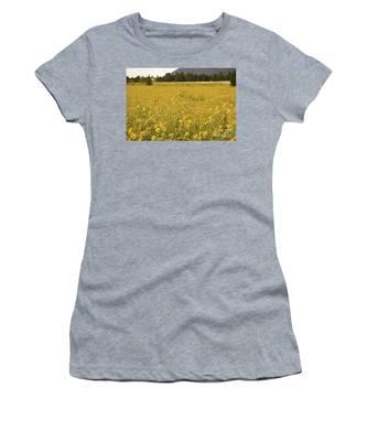 Field Of Yellow Daisy's Women's T-Shirt