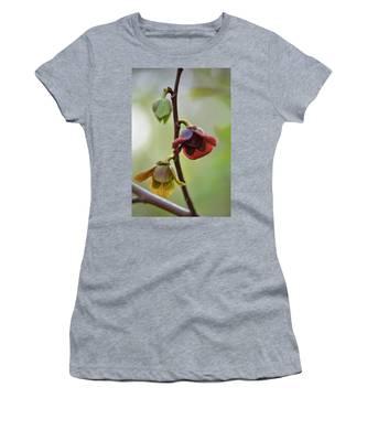 Paw-paw Flowers Women's T-Shirt