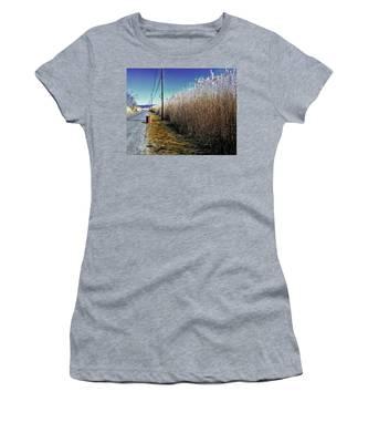 Hudson River Winter Walk Women's T-Shirt