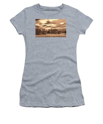 Rustic Barn 2 Women's T-Shirt