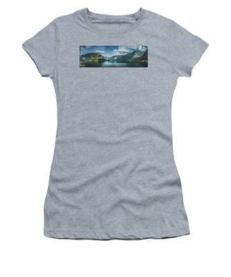 Stunning Lake Hallstatt Panorama Women's T-Shirt
