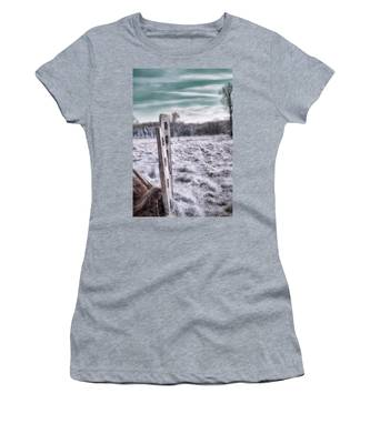 Two Posts Women's T-Shirt