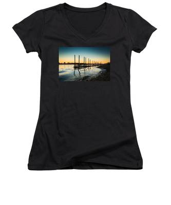 Wavy Sunset Kings Park New York Women's V-Neck