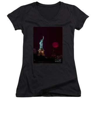 Super Moon Rising And The Statue Of Liberty Women's V-Neck