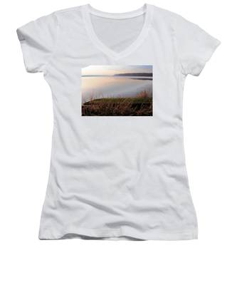 Hudson River Vista Women's V-Neck