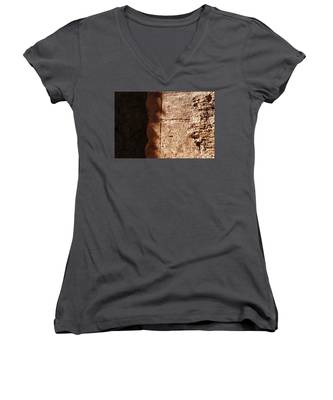 Red Texture Women's V-Neck