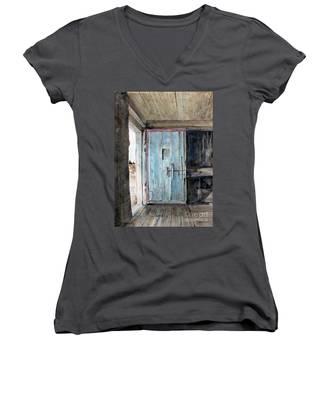 Blue Door  Women's V-Neck