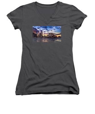 Brooklyn Bridge Manhattan Sunset Women's V-Neck