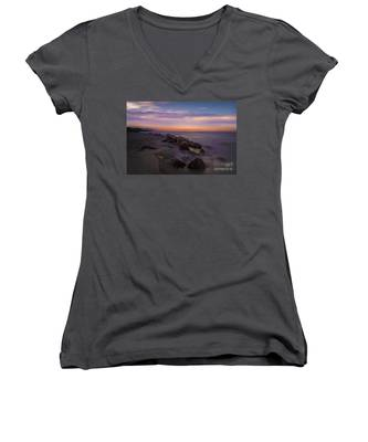Montauk Sunset Boulders Women's V-Neck