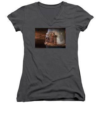 Rusty Stove Women's V-Neck