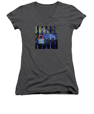 Time Hues Women's V-Neck