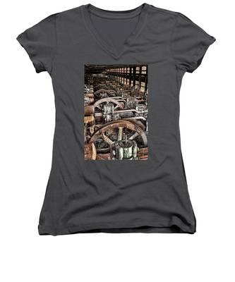 Vintage Machinery Women's V-Neck