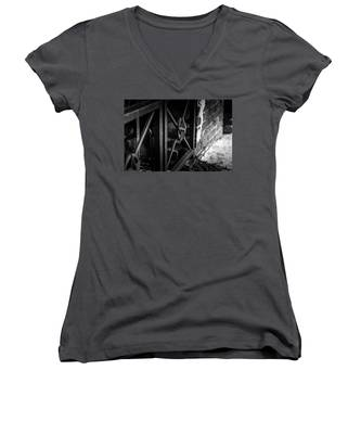 Iron Gate In Bw Women's V-Neck