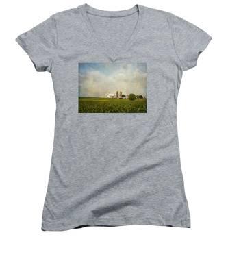 Amish Farmland Women's V-Neck