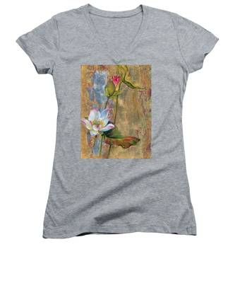 On The Silver Ray Women's V-Neck