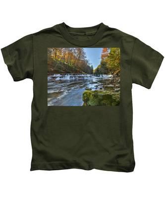 Squaw Rock - Chagrin River Falls Kids T-Shirt