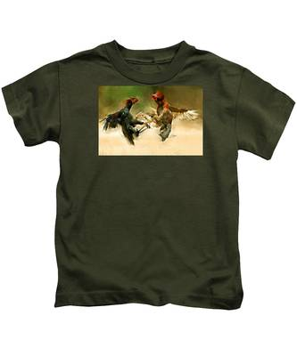 Rooster Fight Hd Kids T-Shirt by Charlie Roman