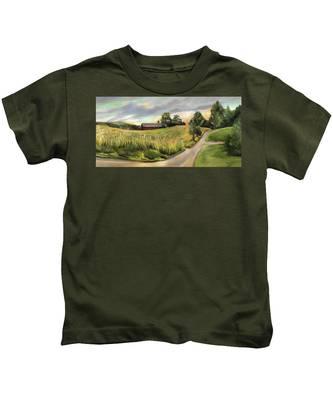 Barn On The Ridge In West Newbury Vermont Kids T-Shirt