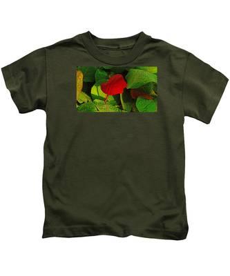 Bold Red Sea Grape Leaf Kids T-Shirt