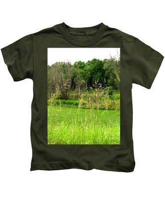 Swaying Grass Kids T-Shirt