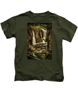 Great Falls Close Up Kids T-Shirt