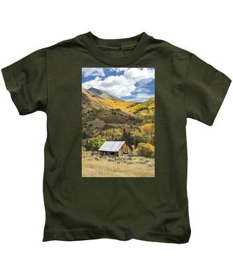 Shack With Relics Kids T-Shirt
