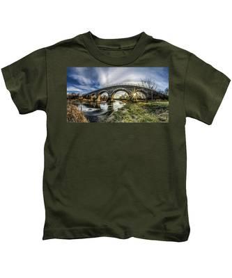 Tiffany Bridge Panorama Kids T-Shirt