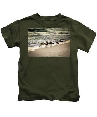 Birds On The Beach Kids T-Shirt
