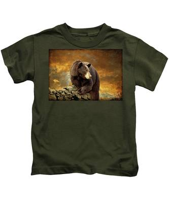 The Bear Went Over The Mountain Kids T-Shirt