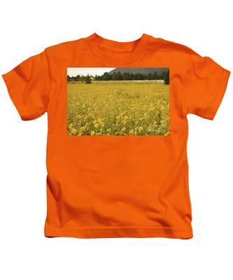Field Of Yellow Daisy's Kids T-Shirt