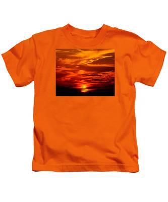 Sunrise Feathers Kids T-Shirt