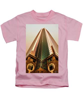 Kids T-Shirt featuring the photograph A Really Tall Building by Endre Balogh