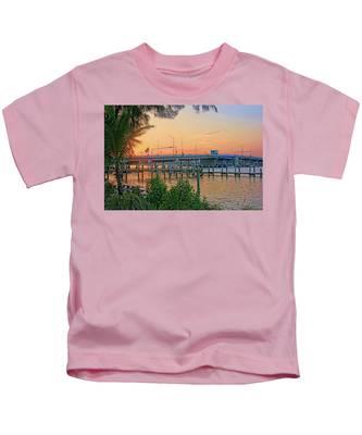 New Pass Bridge 2 Kids T-Shirt