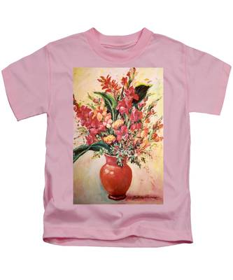 Red Vase Kids T-Shirt