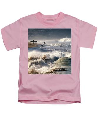 Waiting By Mike-hope Kids T-Shirt