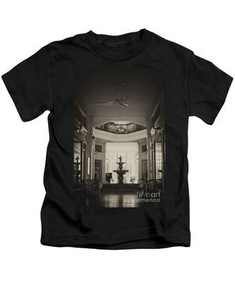 Fountain In The Light Kids T-Shirt