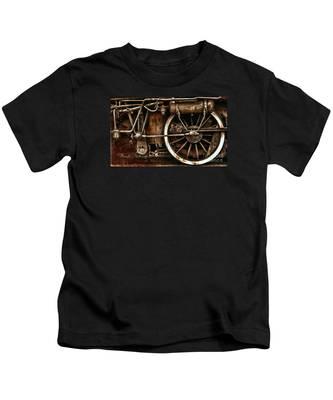 Steampunk- Wheels Of Vintage Steam Train Kids T-Shirt