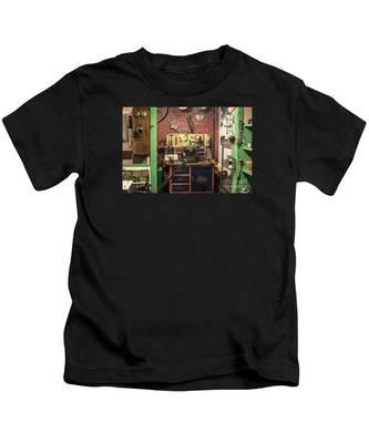 Garage Of Yesteryear Kids T-Shirt