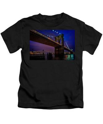 Twilight At The Brooklyn Bridge Kids T-Shirt