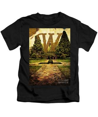 Grungy Melbourne Australia Alphabet Series Letter W Pioneer Wome Kids T-Shirt